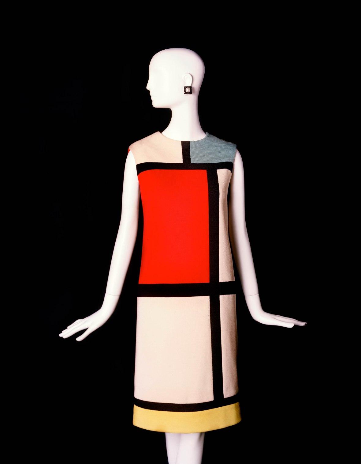 (c) Musée Yves Saint Laurent- Robe hommage a Mondrian -Alexandre Guirkinger